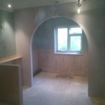 Arched recessed bath room